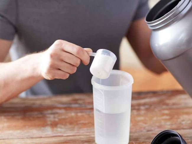 Hogyan segíti a fogyásodat a tejsavó fehérje?   Peak girl
