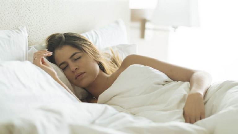 kevesebb alvás segít a fogyásban június Shannon fogyás 2021