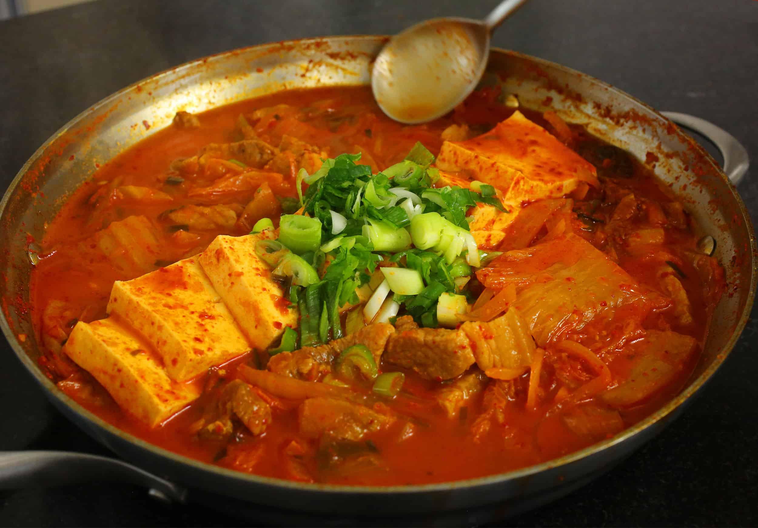 Kimchi jjigae jó a fogyáshoz - garembucka.hu